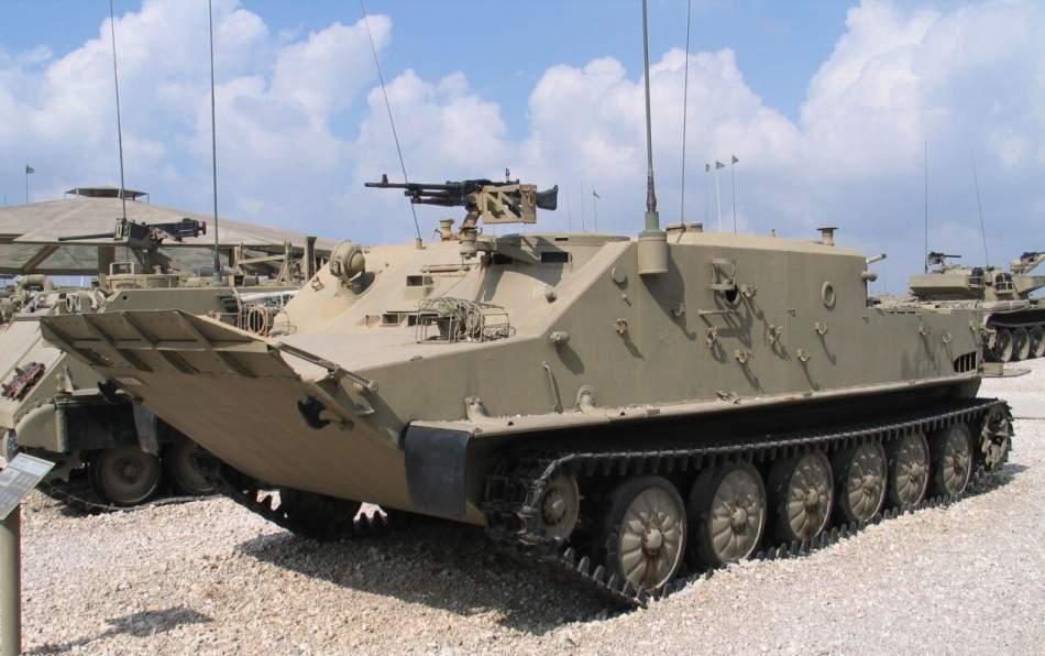 Катання на бойовій машині MT-LB