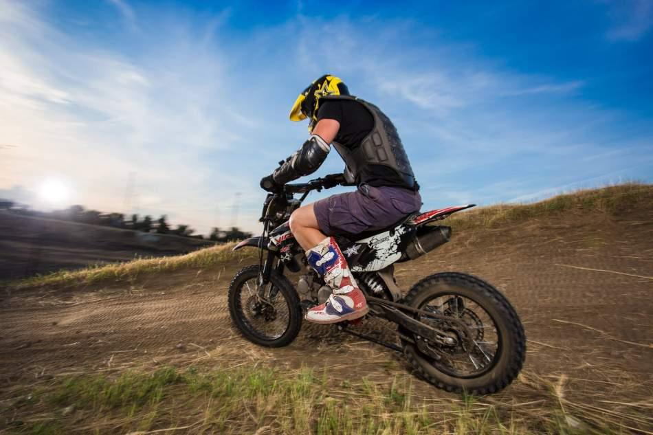 Їзда з інструктором на позашляховому мотоциклі