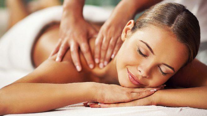 Класичний масаж спини