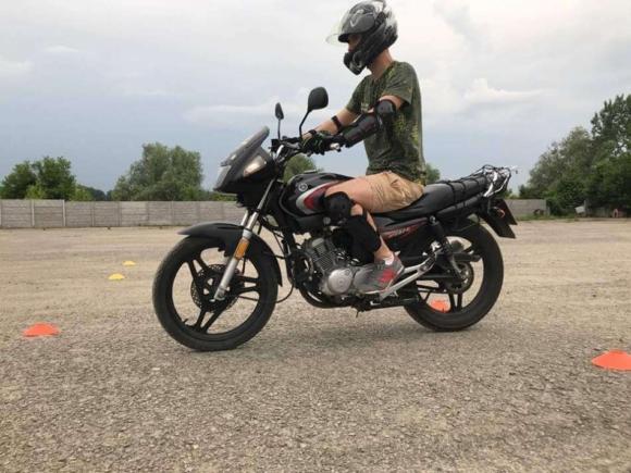 Урок катання на мотоциклі
