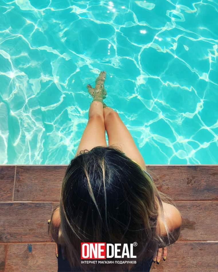 День біля басейну в комплексі Орлине Гніздо