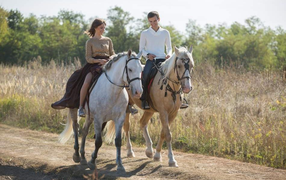 Катання на конях в лісі для двох
