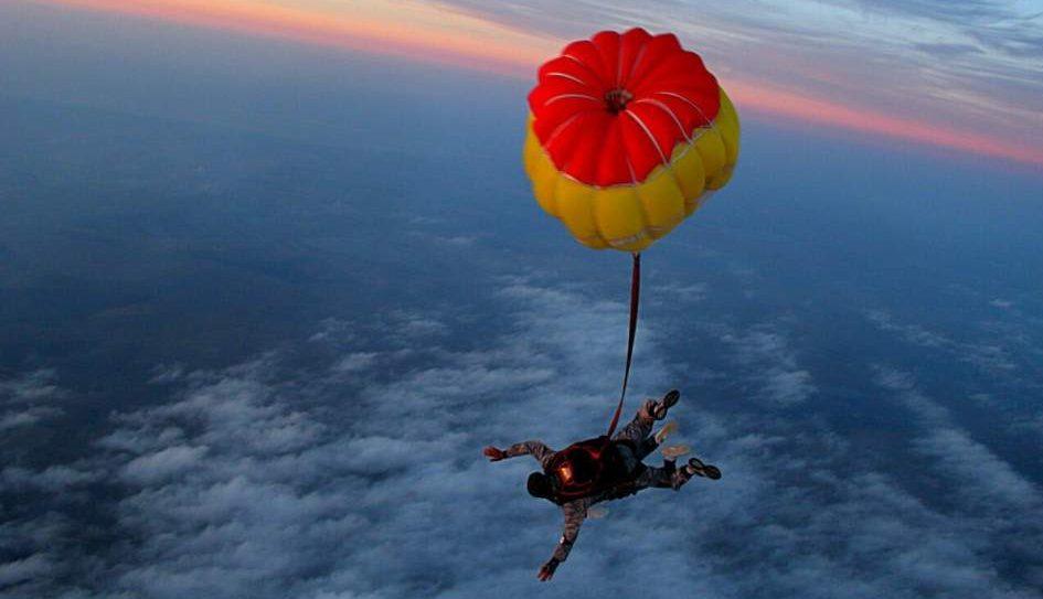 Самостійний стрибок з парашутом у Вінниці