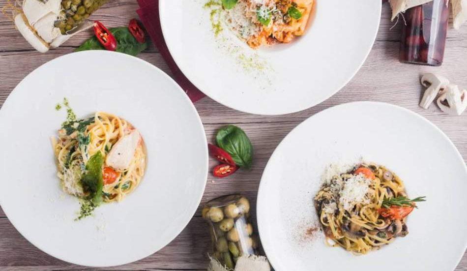 Сімейна вечеря в італійському ресторані
