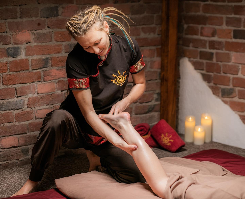 """SPA-процедура """"Гавайський масаж Ломі Ломі Нуї"""""""