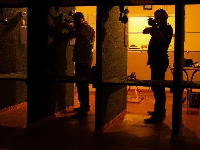 Стрельба из трех видов пневматического оружия
