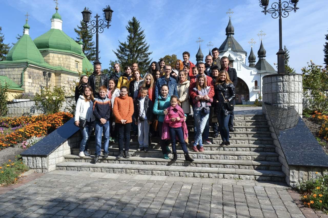 """Тур у  Закарпаття """"Цвіт сакури"""" з Тернополя"""